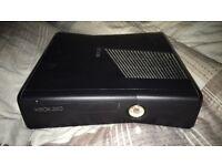 Xbox 360 250gb 2 contollers, gta 5, assassins creed
