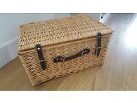 Natural Wicker Gift Hamper Basket / Picnic Basket - Extra Large - UNUSED