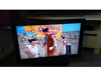 "SAMSUNG 32"" HD LCD TV (FREEVIEW)"