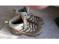 Berghaus Explorer Walking/Hiking Boots Size 5