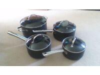 Set of 4 non-stick pans