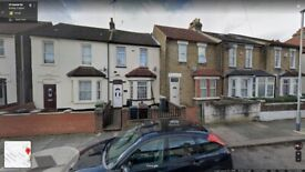 Beautiful 4 Bedroom House Ready To Move In Barking Harrow Road, (IG11 7RA) Mins From Station