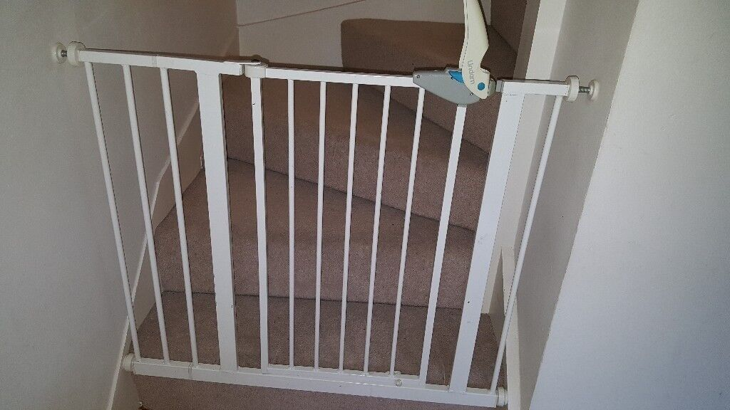 Baby Pressure Fit Safety Stairs Gate Lindam In Southfields London