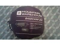 Mountain Warehouse - Basecamp 250 - Sleeping Bag