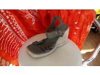 Khaki material sandals