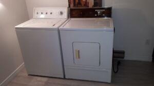 Laveuse sécheuse à vendre 300$