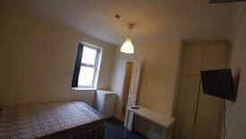 Amazing Ensuite Room Available in Charminster
