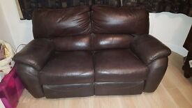Lazyboy 2 seater electric leather recliner