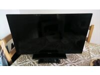 Bush 32 Inch LED TV DVD Combi & USB Player with Freeview - Full HD 1080p