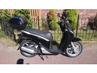 Honda SH125 Scooter, SH125i, Genuine low milage, HPI clear. UK delivery