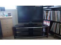 "Panasonic 32"" VIERA 32LMD70 with TV Stand"