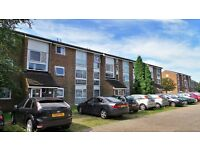 RECENTLY RENOVATED Purposed Built 2 bedrooms Ground Floor Flat with Parking, Newbury Park-No DSS Plz