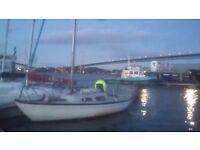 Sail boat sailing yacht hurley