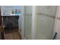 Lovely spacious studio on the ground floor available in Ealing. HB and DSS accepted.