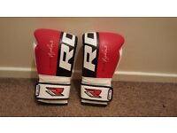 RDX Leather Gel Boxing 14oz - Red