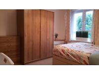 Very Large Double room in Flat Share with nice people