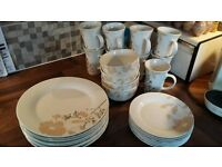 Cream dinner set - plates, bowls and mugs