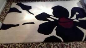 RUG FLOWER DESIGN