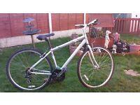 Adult, alloy, Mongoose Crossway 250. Hybrid/Trekking bike. vgc.