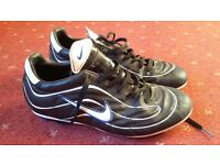 Nike Black Leather Football boots - Mens UK 9