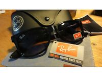 RAY BAN WAYFARER Sunglasses Black (small) BRAND NEW BOXED Made in Italy Never Used