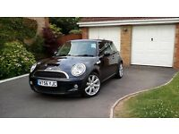 Mini Cooper S. 2007 in Astro Metallic Black with full service history and part leather upholstery