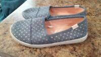 2 pairs girls shoes size 2