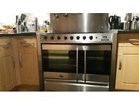 Belling gas range with splashback and extractor fan