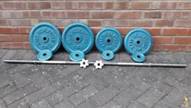 BODY SCULPTURE CAST IRON WEIGHTS SET WITH BAR
