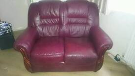 Very good top quality leather suite oxblood