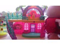 Dora interactive house, shopkibs shoe shop