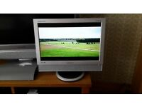 "Samsung SyncMaster 940mw 19"" LCD Monitor/TV"