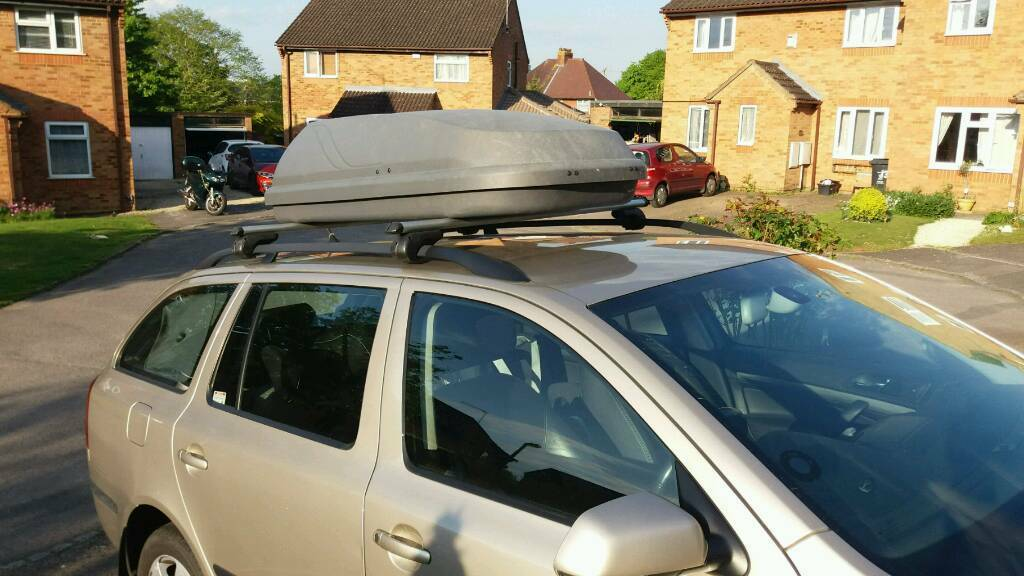 Halfords Roof Box and Roof Rails