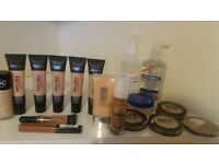 Selling my Make Up Artist Kit (25 ITEMS)