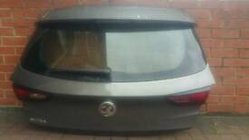 VAUXHALL ASTRA 2017 ,2018 TAILGATE COMPLETE £400