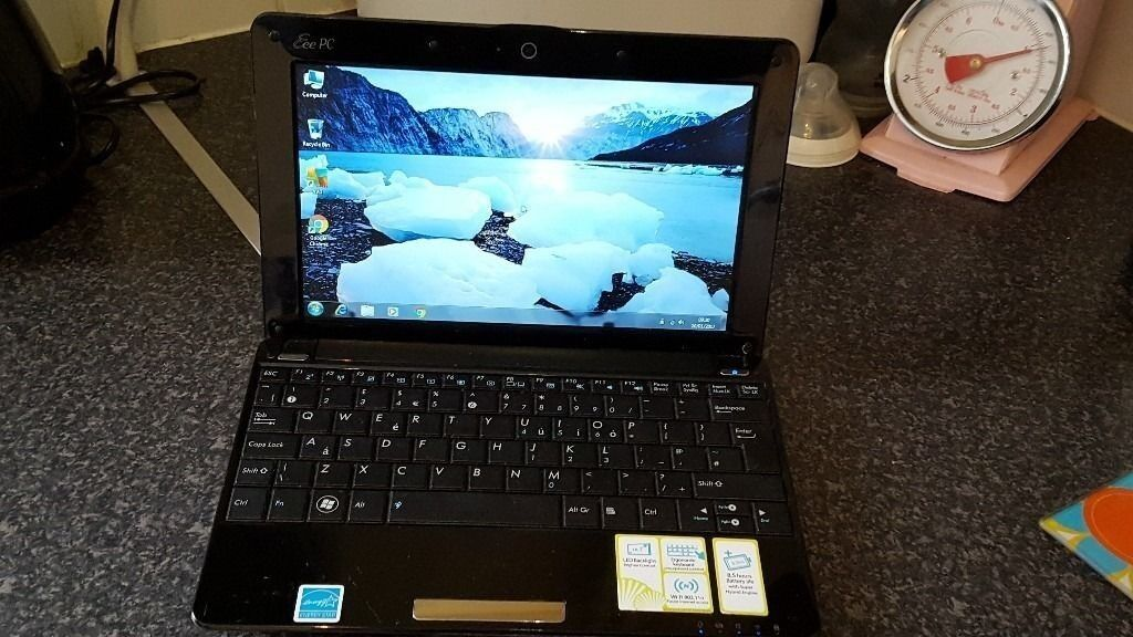 "asus eee pc 1005ha netbookin Norwich, NorfolkGumtree - asus 10"" netbook,installed with fresh activated windows 7,with antivirus up to date,has 1gb ram memory and 160gb hard drive,internet ready,built in wifi and webcam,battery holds good charge,comes with mains power charger"