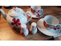 Dunelm poppy tea set