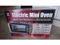 Mini oven and 2 hot plates