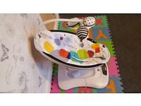 Mamaroo, great condition, looks like NEW