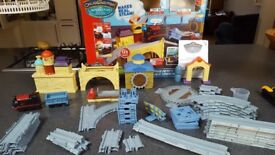 Train Set - Chuggington Interactive Steam Around Old Town Set with Puffer Pete