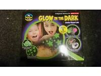 GLOW IN THE DARK SCIENCE LAB