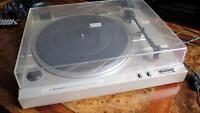 Table tournante / turntable Hitachi HT-20S