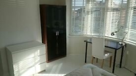 Double Bedroom Barkingside, Ilford £133 per week