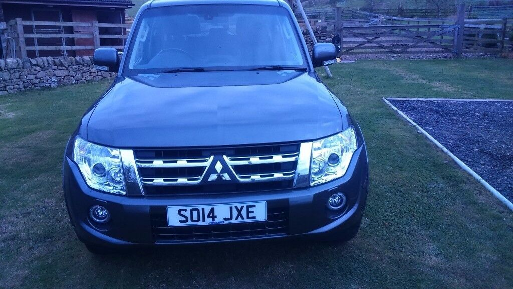 Mitsubishi SHOGUN SG3 LWB 4WD, Metallic Grey, Black Leather interior, Sunroof, Tow Bar ** NEW PRICE