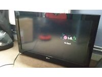 32 LG 32LH2000 HD Ready Digital Freeview LCD TV