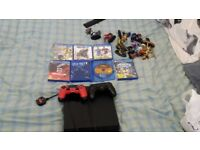 Ps4 with 2 joypads 6 games