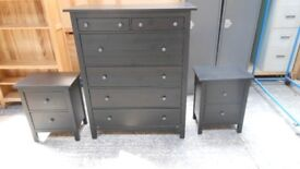 6 drawer high chest of drawers, and 2 matching 2 dr bedside cabinets. excellent condition. deliver