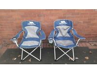 trespass deluxe folding chairs x2