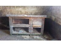 2 tier rabbit hutch very stirdy