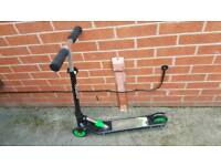 The Avigo 125mm Folding Scooter used good condition can deliver or post!